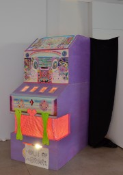 6.The Art-Money-Game130 cm x 90 cm  x 200 cm 2011
